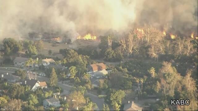 米カリフォルニア州で再び大規模な山火事
