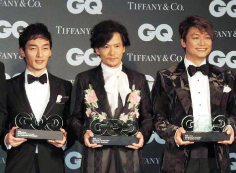 加藤の発言は元SMAPの草なぎ、稲垣、香取(写真、左から)の援護射撃か