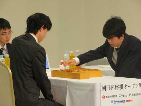 朝日杯将棋オープン戦の本戦トーナメント1回戦で澤田真吾六段を破った藤井聡太四段