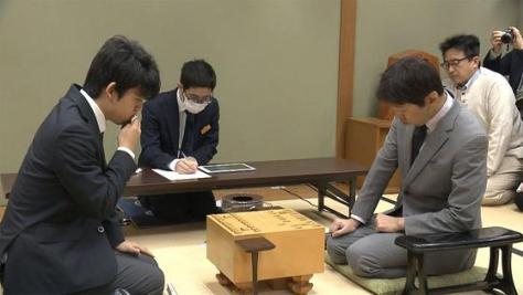 藤井聡太六段、公式戦初の師弟対決に勝利