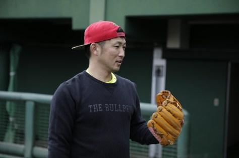社会人野球・エイジェック野球部へ入団する元広島の梵英心選手