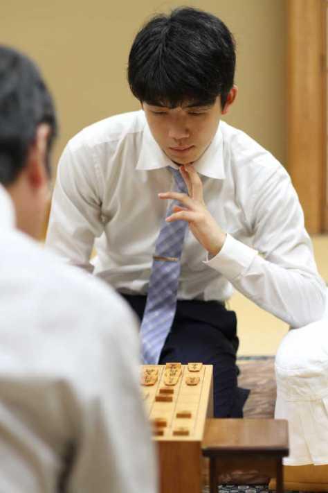 順位戦C級1組で開幕4連勝の藤井聡太七段