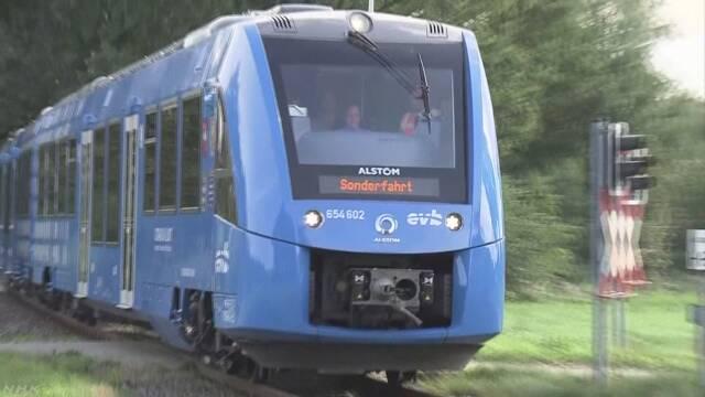 燃料電池で動く電車 ドイツで実用化 営業運転前に公開 | NHKニュース