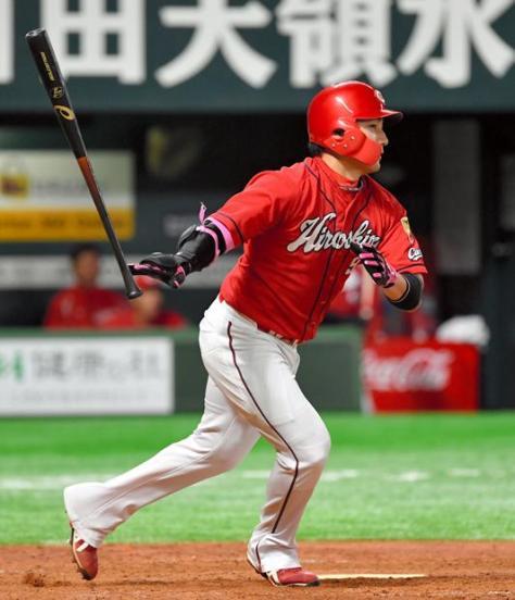 去就が注目されている広島・丸佳浩選手 (c)朝日新聞社