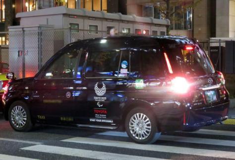乗降に時間がかかりすぎるなど多くの苦情が寄せられているトヨタのジャパンタクシー(一部加工)(撮影・三須一紀)