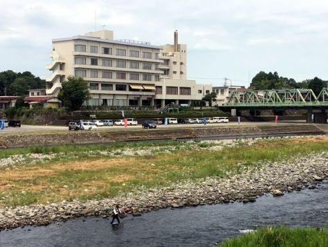 那珂川など自然豊かな黒羽地区に建つホテル花月=大田原市黒羽向町