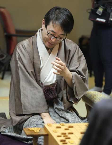 将棋の第31期竜王戦7番勝負で敗れ、27年ぶりに無冠となった羽生善治前竜王=21日夜、山口県下関市