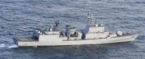 火器管制レーダーを照射した韓国海軍の駆逐艦=20日、石川県能登半島沖(防衛省提供)