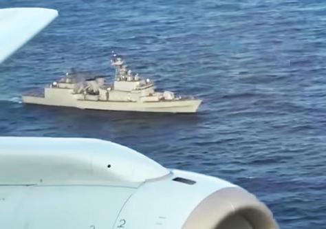 防衛省が公開した、韓国海軍「クァンゲト・デワン」級駆逐艦による火器管制レーダー照射の映像。能登半島沖(日本EEZ内)で海上自衛隊P-1哨戒機により撮影された=2018年12月20日、能登半島沖(防衛省提供)