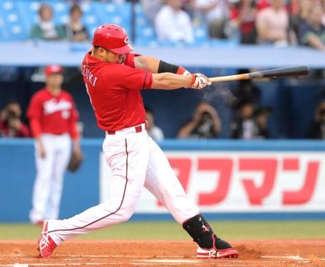 1回2死一塁、中越え2ラン本塁打を放った鈴木