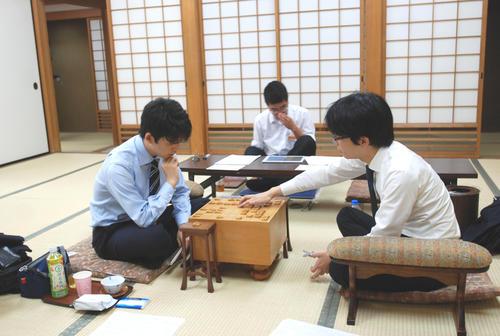 豊島将之名人が藤井聡太七段に勝ち2勝1敗に 第69期大阪王将杯王将戦