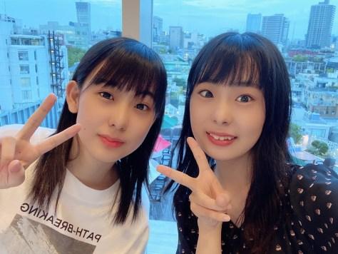 姉の和田あき女流初段(右)と和田はな女流新2級