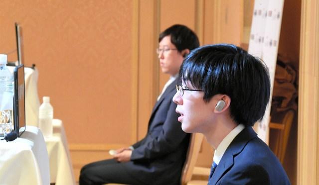 お隣は藤井聡太、差は歴然 懸命に歌う囲碁名人の危機感:朝日新聞デジタル