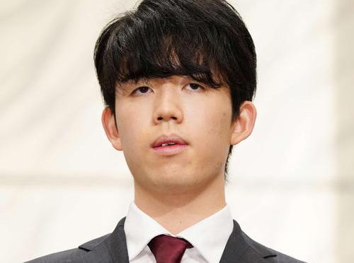 藤井聡太2冠(2021年1月25日撮影)