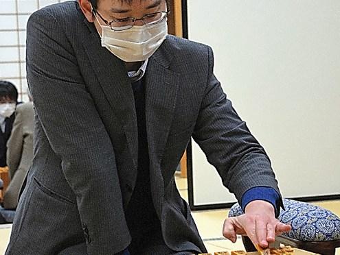 「鬼のすみか」に13期、悲願のA級 山崎八段、名人戦・順位戦で昇級 将棋:朝日新聞デジタル