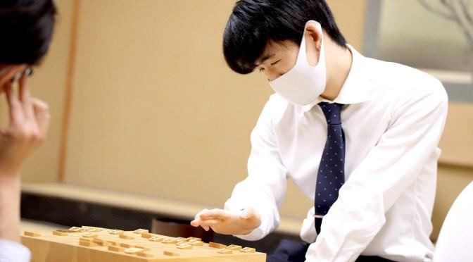 藤井聡太二冠が20年度最高勝率&最多勝利の二冠 今季最終戦を白星で飾る : スポーツ報知