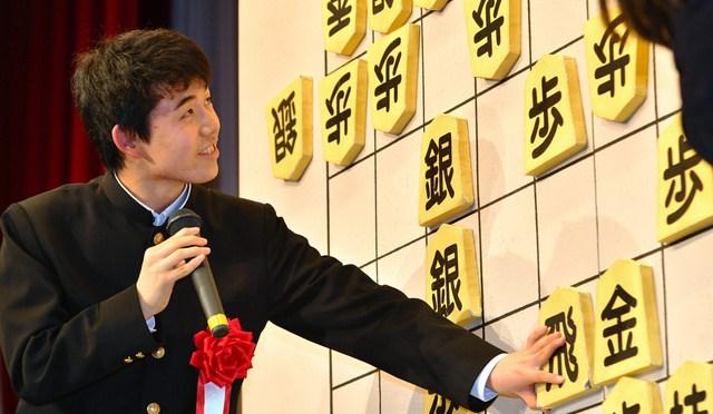 藤井「新四段」が生まれた日 棋士たちの嬉しい「内定期間」:朝日新聞デジタル