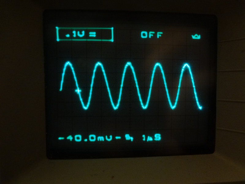 IG-102 wave form, about 500 kHz