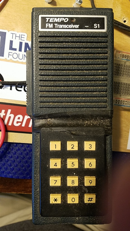 Tempo S1 handheld FM transceiver