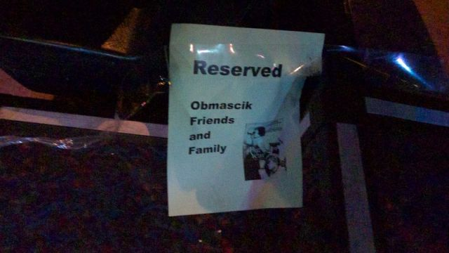 Obmascik family sign
