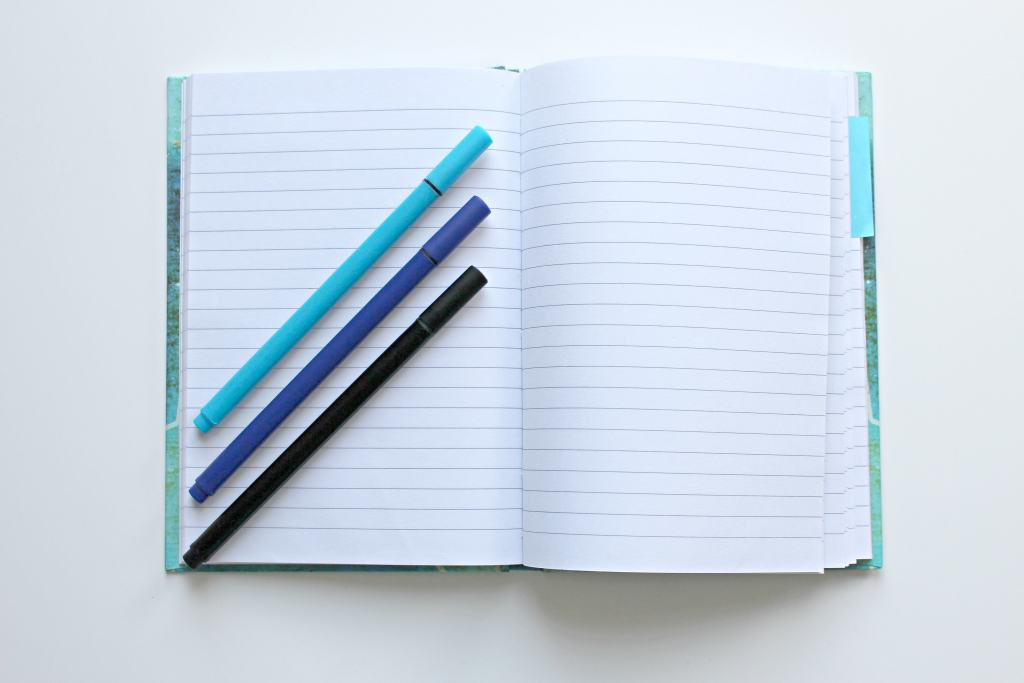 pen_notebook_write_with_colors