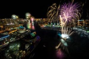 Fireworks in Baltimore, MD during the Star Spangled Spectacular - the 200th anniversary of the Star Spangled Banner. Blog Post: http://blog.adamchoke.com/tips/star-spangled-spectacular-fireworks/ Purchase Prints: http://adamchoke.smugmug.com/Images/Landscapes/i-7BvH3BG