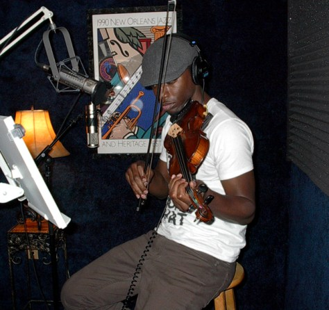 DonaldSurtainRecordsHisViolinAtAirliftProductionsJanuary2015