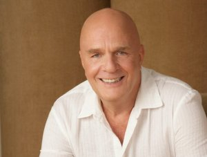 Dr.-Wayne-Dyer-RIP-at75_8-30-15