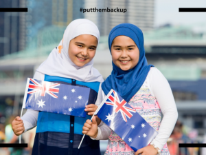 """Kampanye untuk Menampilkan 2 Gadis Muslim Kecil pada Iklan """"Australia Day"""" Menuai Dukungan Hebat"""