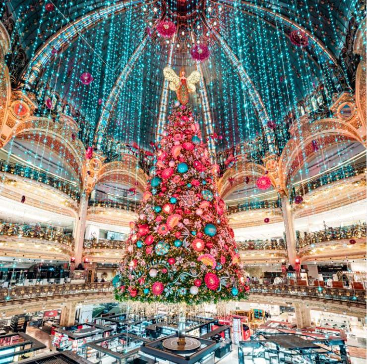 Christmas tree decor in France