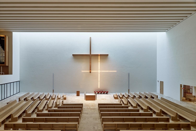 modern church architecture between