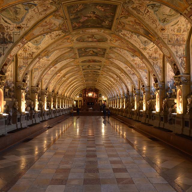 뮌헨 여행 코스 레지덴츠 궁전의 화려한 내부