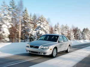 volvo s80 in the winter
