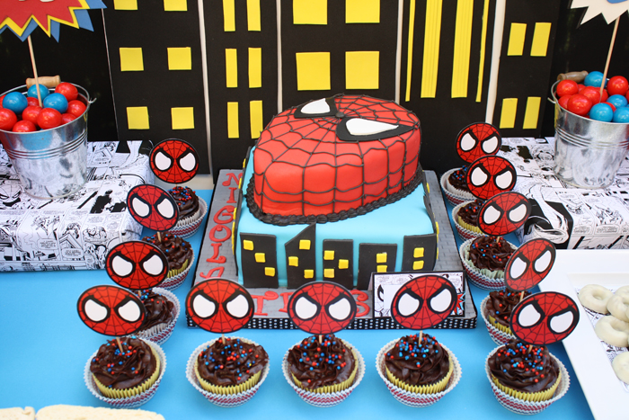 Superhero inspired birthday party - Spiderman cake