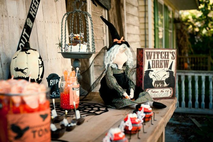 Halloween Dessert Table Inspiration