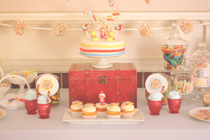 Sweet_Shoppe_Dessert_Table