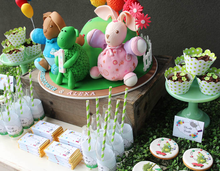 green-sheep-dessert-table
