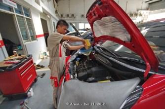 121221 - anp merah pedas servis 10000 km di kmi bintaro - 21 desember 2012 - IMGP5440 (Custom)