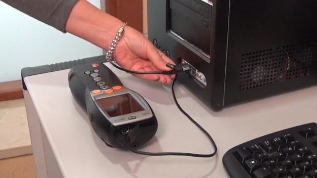 Collega l'analizzatore fumi TESTO al tuo Computer tramite USB