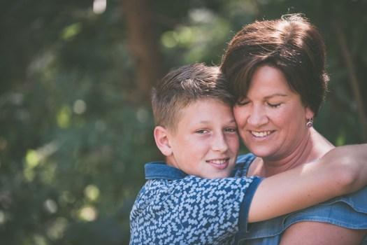 familiefotograaf familiefoto spontane gezinsfoto retrofotografie ieper poelkapelle west-vlaanderen ann-elise lietaert -20