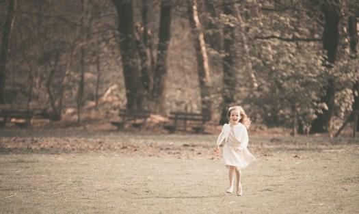 kinderfoto kidsfoto kinderfotograaf kidsfotograaf spontane foto spontaan nostalgisch retro ann-elise lietaert ieper roeselare poperinge west-vlaanderen-5