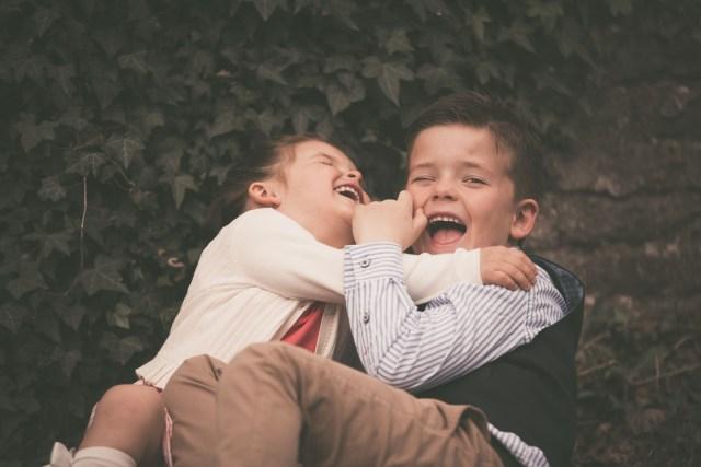 ann-elise lietaert kinderfotografie kidsfotografie spontaan spontane romantisch groen communie communiefoto communiereportage lentefeest foto 17