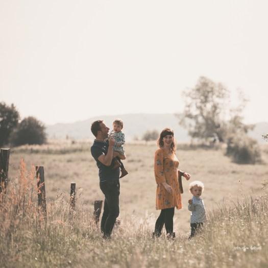 ann-elise lietaert fotografie gezinsfotografie spontaan romantisch natuur_