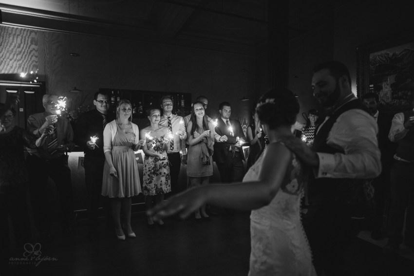 0137 jundb 811 9020 - Jagoda & Björn - Hochzeit im Strandhotel Blankenese