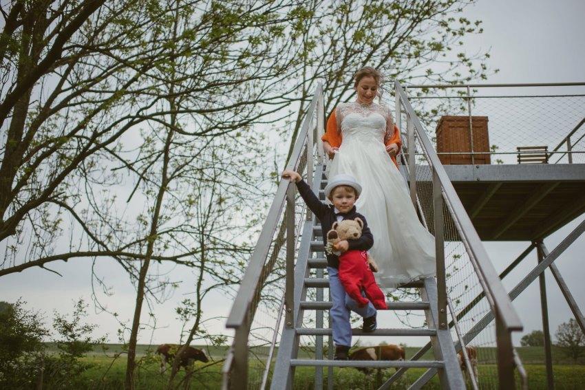 0031 anne und bjoern Manu und Sven D75 9259 1 - DIY Hochzeit im Erdhaus auf dem alten Land - Manuela & Sven