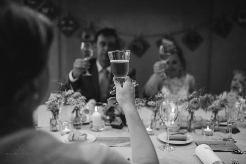 0117 anne und bjoern Manu und Sven D75 0848 1 - DIY Hochzeit im Erdhaus auf dem alten Land - Manuela & Sven