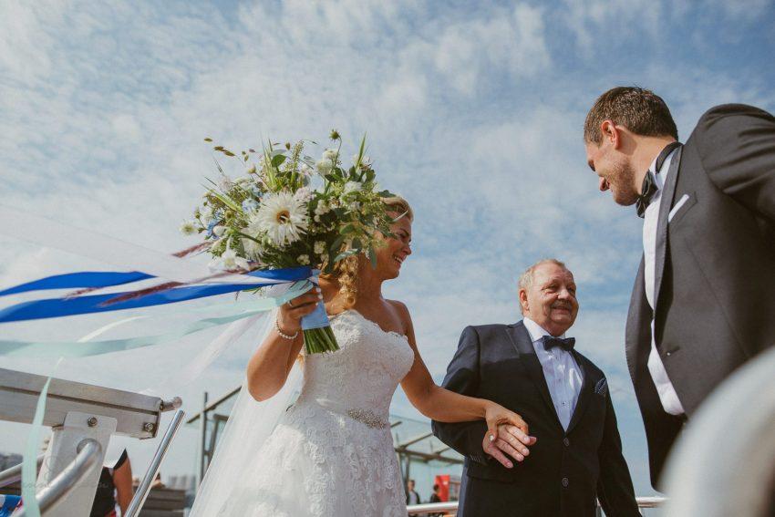 0029 dany sebastian hh d76 3473 bearbeitet - Bunte Hochzeit auf der Elbe - Daniela & Sebastian