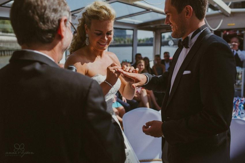 0036 dany sebastian hh d75 9614 - Bunte Hochzeit auf der Elbe - Daniela & Sebastian