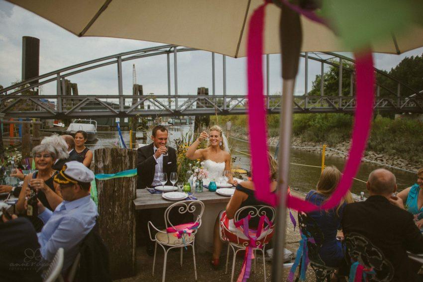 0058 dany sebastian hh d75 0017 - Bunte Hochzeit auf der Elbe - Daniela & Sebastian