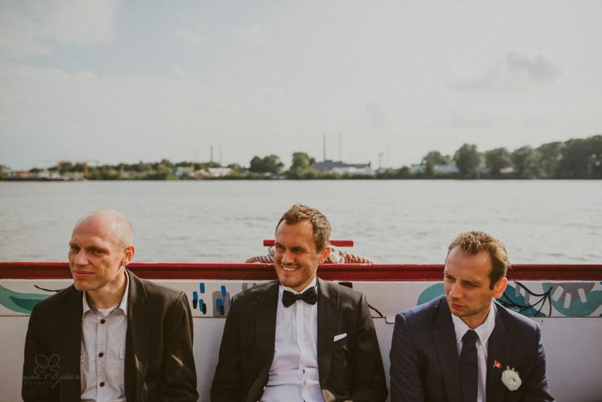 0074 dany sebastian hh d76 4744 - Bunte Hochzeit auf der Elbe - Daniela & Sebastian